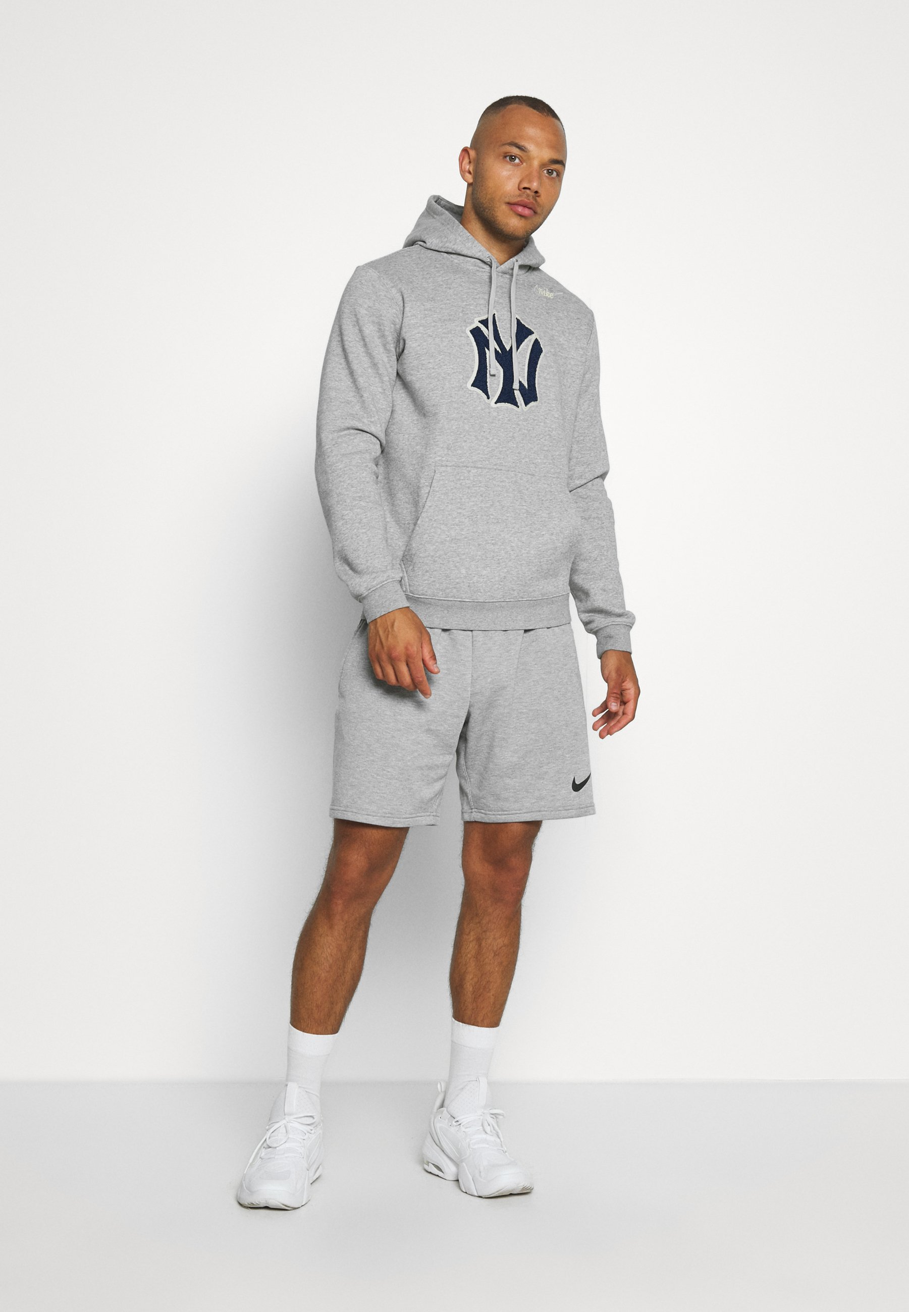 Nike Performance MLB NEW YORK YANKEES COOPESTOWN PATCH HOODIE - Article de supporter - dark grey heather