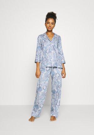 Pyjama - multipais