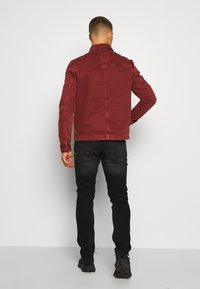 New Look - UTLITY  - Kurtka jeansowa - dark burgundy - 2