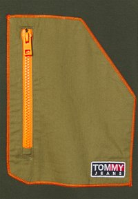 Tommy Jeans - CONTRAST POCKET ZIP MOCK - Jas - dark olive - 2