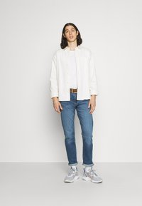 Levi's® - 502 TAPER - Jeans Tapered Fit - squeezy coolcat - 1
