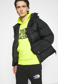 The North Face - M HIMALAYAN DOWN PARKA - Chaqueta de plumas - black - 3