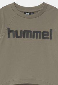 Hummel - GRACE UNISEX - Sweatshirt - vetiver - 2