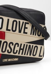 Love Moschino - BORSA AVORIO - Taška spříčným popruhem - black - 4