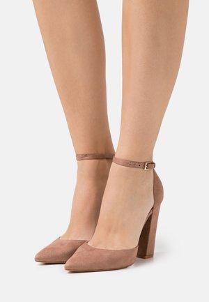 NICHOLES - High heels - dark beige