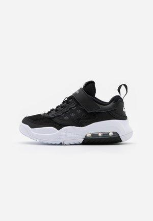 MAX 200  - Sports shoes - black/white
