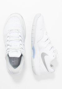 Nike Performance - AIR ZOOM PRESTIGE CARPET - Carpet court tennis shoes - white/metallic silver/pure platinum/aluminum - 1