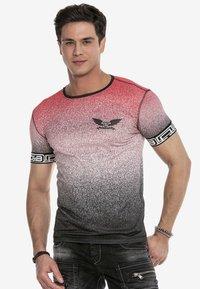 Cipo & Baxx - Print T-shirt - red - 0