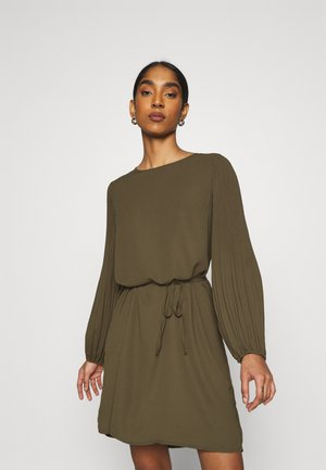 ONLMETA PLISSE DRESS - Day dress - ivy green