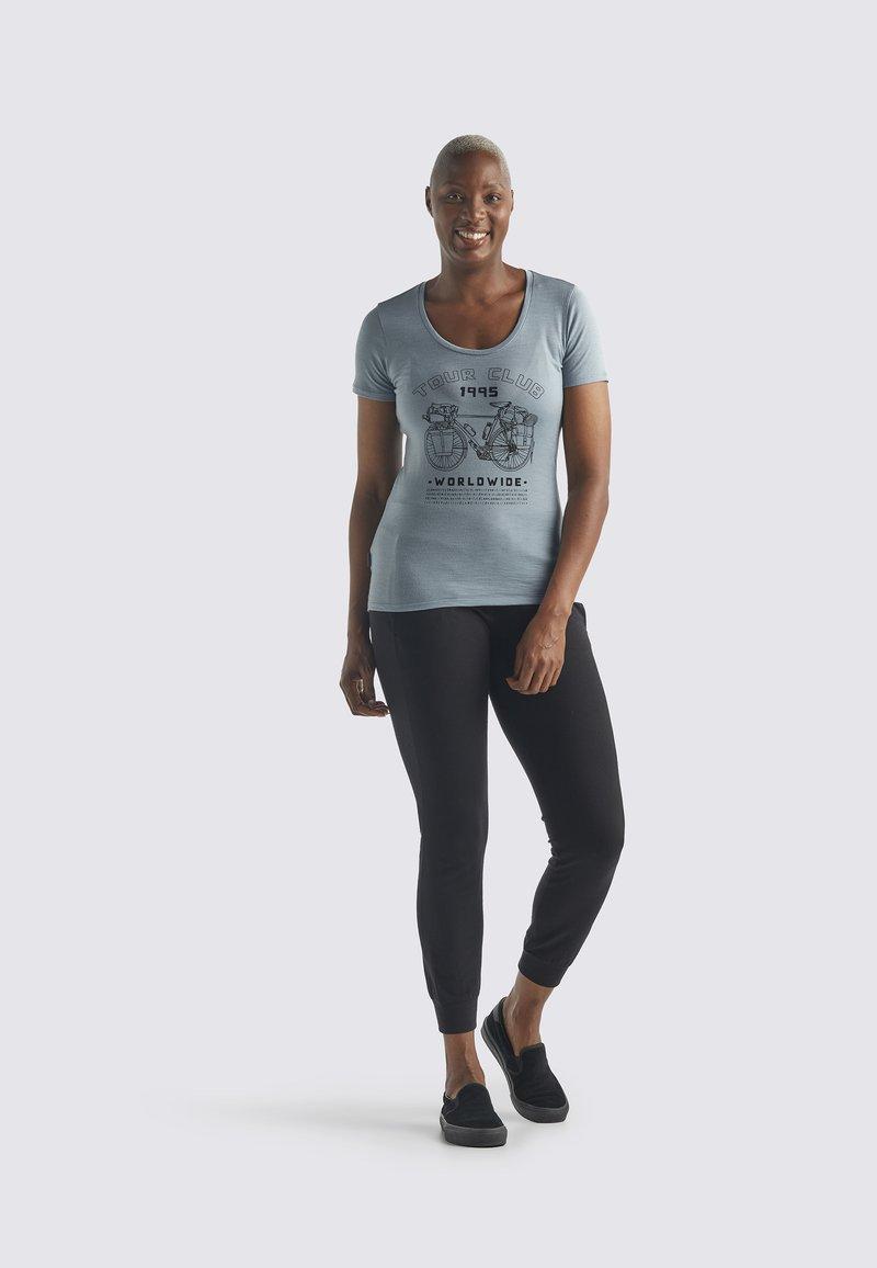 Icebreaker - Print T-shirt - gravel
