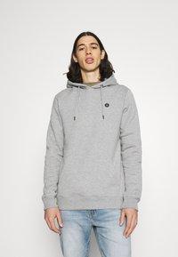Anerkjendt - AKNIGEL ORGANIC HOODIE - Sweatshirt - light grey melange - 0