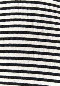 Mads Nørgaard - STRIPE MIX TRUTTE - Top sdlouhým rukávem - off white/black - 7