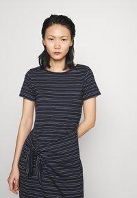 Club Monaco - TWANSIA DRESS - Jersey dress - stripe - 5