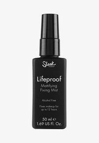 Sleek - LIFEPROOF MATTIFYING FIXING MIST  - Setting spray & powder - - - 0