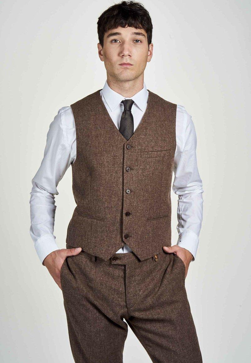 MDB IMPECCABLE - Suit waistcoat - sand