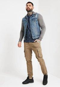 Only & Sons - ONSCOIN HOOD TRUCKER - Denim jacket - blue denim - 1
