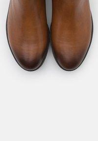 MAHONY - CELIN - Platform ankle boots - cognac - 5
