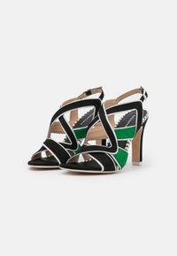 Cosmoparis - ZOLI - Sandals - noir/vert - 2