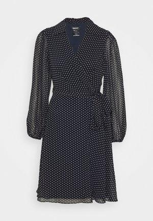 BALLOON SLEEVE DRESS WITH COLLAR - Day dress - navy/blush