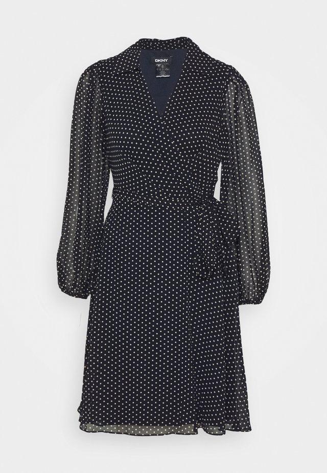 BALLOON SLEEVE DRESS WITH COLLAR - Kjole - navy/blush