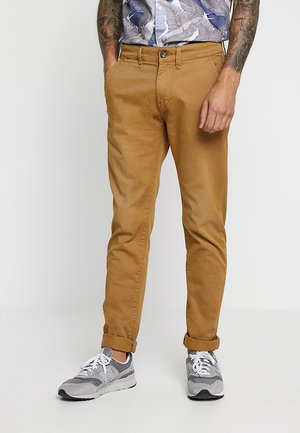 SLOANE - Chinos - toffee