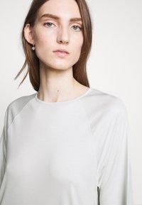 Filippa K - MIRA DRESS - Žerzejové šaty - faded aqua - 4