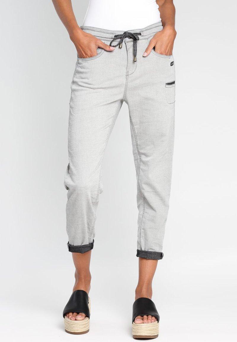 Gang - AMELIE - Tracksuit bottoms - light grey