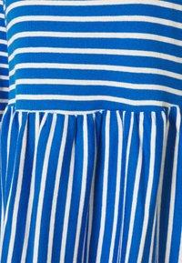 TOM TAILOR DENIM - STRIPED DRESS - Jersey dress - mid blue - 2