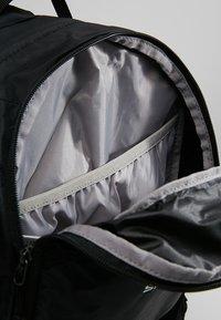 Salomon - TRAILBLAZER 20 UNISEX - Backpack - black/black - 4