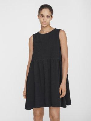 NMCAROLINA SMOCK  DRESS - Denim dress - black