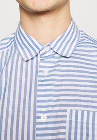 Only & Sons - ONSTRIPP LIFE STRIPED - Shirt - cashmere blue - 5