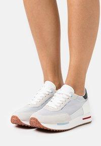 Napapijri - HAZEL - Baskets basses - bright white - 0