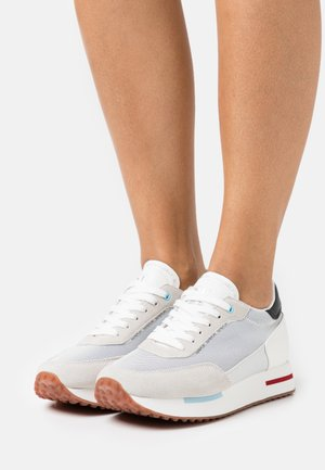 HAZEL - Trainers - bright white