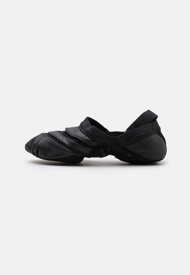 FREEFORM - Chaussures de danse - black
