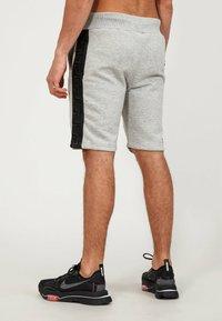 Glorious Gangsta - Shorts - grey/black - 2