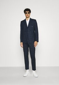 Viggo - TENN DOUBLE BREASTED SUIT - Oblek - navy - 1