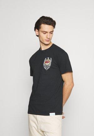 BRILLIANT ABYSS TEE - Print T-shirt - black