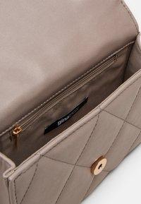 Gina Tricot - MALLIS BAG - Across body bag - grey - 2