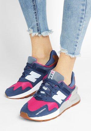 WS997 - Sneakersy niskie - stone blue/exuberant pink
