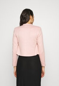 Vero Moda - VMJANEY SHORT - Blazer - misty rose - 2