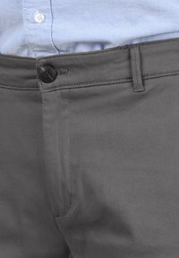Solid - RAVI - Shorts - forged iron - 4
