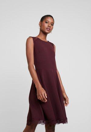 Jersey dress - winetasting
