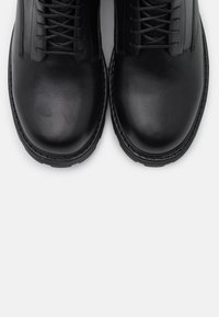 Vagabond - COSMO 2.0 - Kotníkové boty na platformě - black - 5