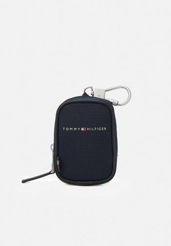ELEVATED CLIP ON POUCH
