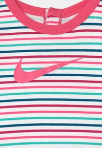 Nike Sportswear - SET - Leggings - hyper pink - 2