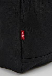 Levi's® - PACK SLIM MINI BATWING - Rucksack - regular black - 6
