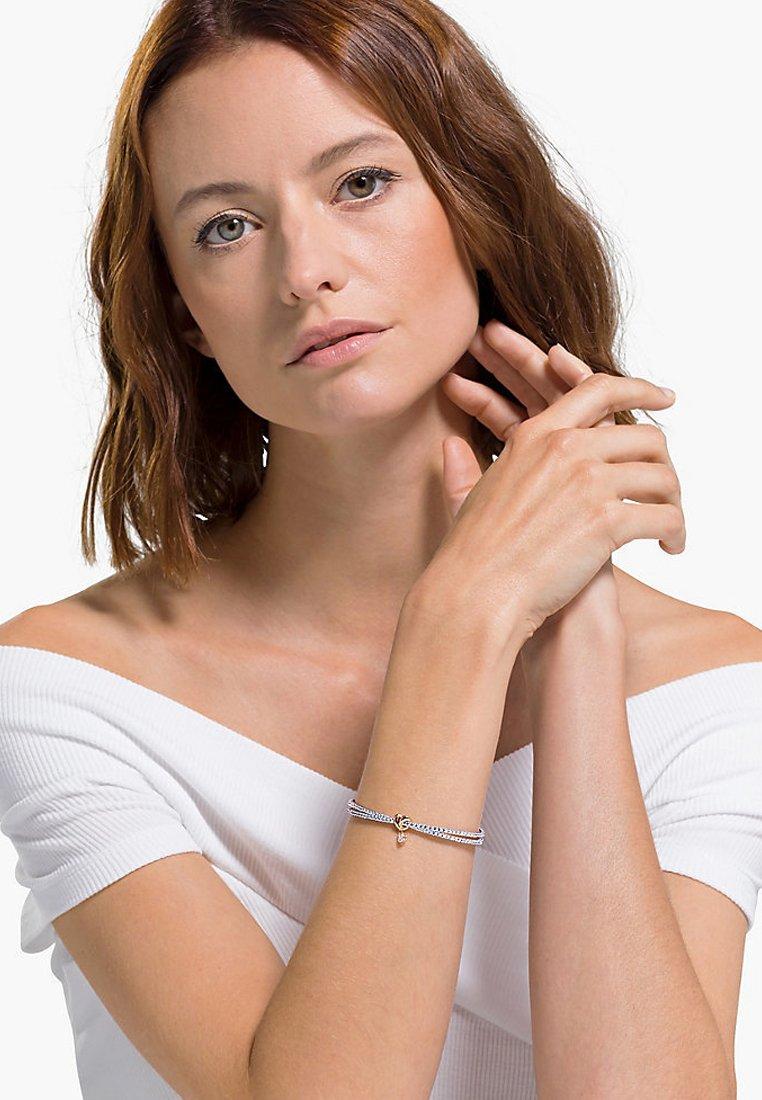 Femme LIFELONG HEART BANGLE, WHITE, MIXED METAL FINISH - Bracelet
