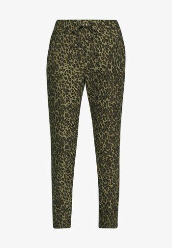 GUNBRIT - Trousers - army combi