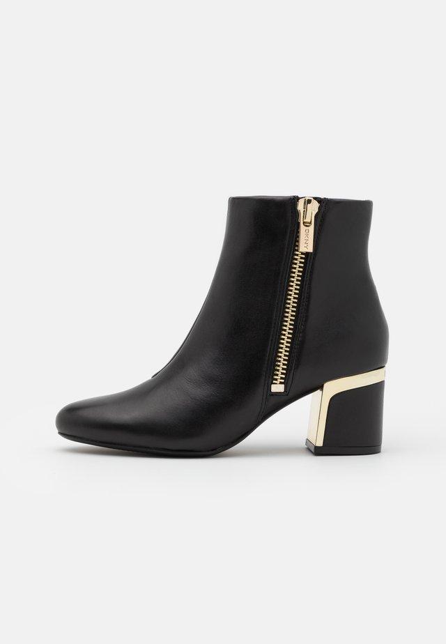 CROSBI - Ankle boots - black