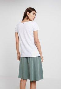 Rich & Royal - T-shirts - white - 2